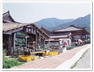 16170032004060186_Folk Arts Village.jpg