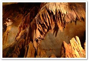 1513003200509019k_Gosudonggul Cave.jpg