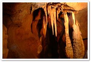1513003200509023k_Gosudonggul Cave.jpg