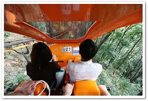 1513011201208001k_Monorail in Jecheon Cheongpungho Lake .jpg