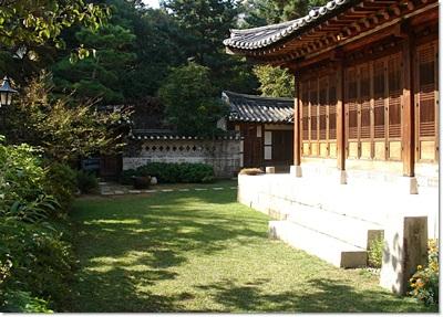 5-성북동나드리-이종석별장 -본체 반대방향.jpg
