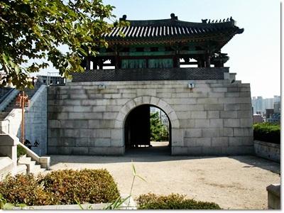 3-서울낙산성곽-혜화문-20140912.jpg